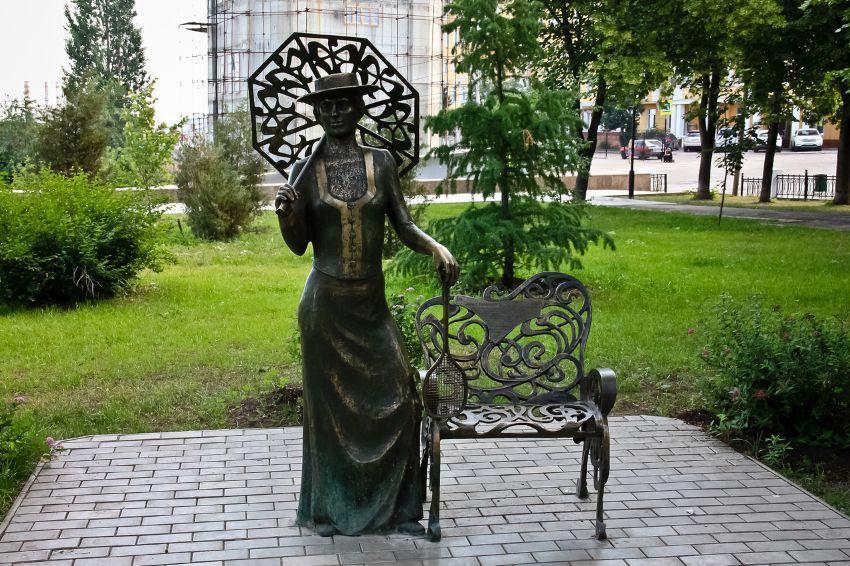 Дама с ракеткой - достопримечательность в Самаре
