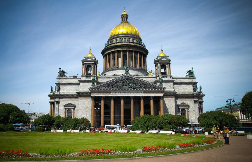 Исаакиевский собор - достопримечательность в Санкт-Петербурге
