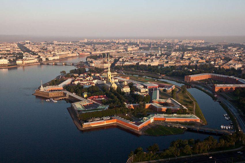 Петропавловская Крепость в Санкт-Петербурге - фото