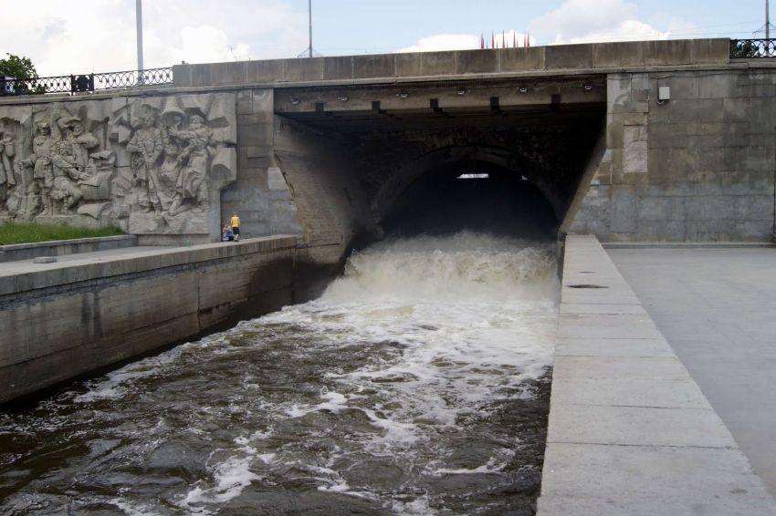 Плотина городского пруда реки Исеть