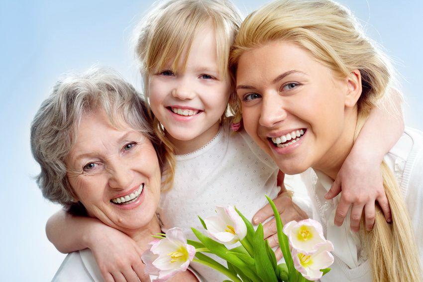День матери в России в 2018 году будут отмечать 25 ноября - воскересенье