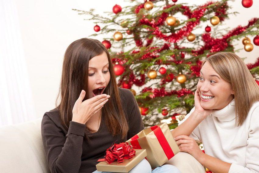 Что подарить сестре на Новый год?