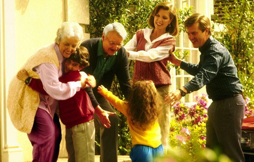 Как празднуют день дедушки и бабушки в России в 2018 году