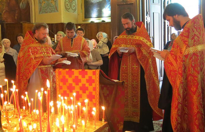 церковная служба в Радоницу