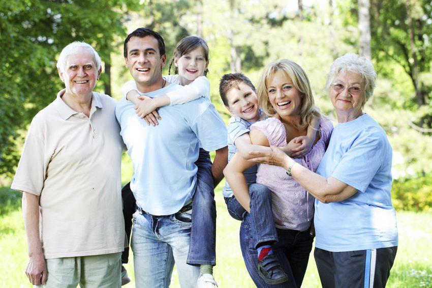 большая семья с детьми - семейный гороскоп на 2018 год для Львов