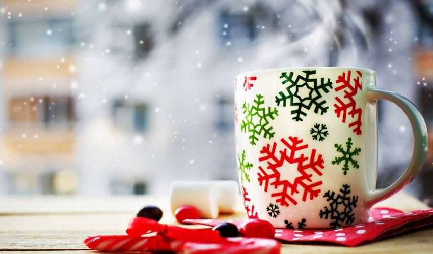 Чашка на новый год - что ещё можно подарить другу на 2018 год