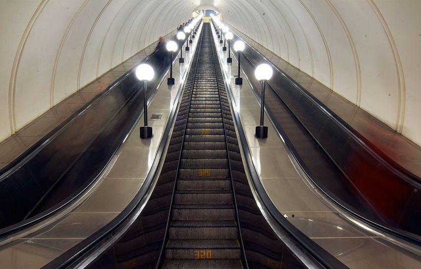 эскалатор в московском метрополитене