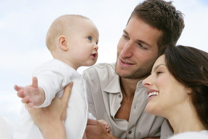 семья с ребенком - любовный гороскоп для близнецов на 2018 год