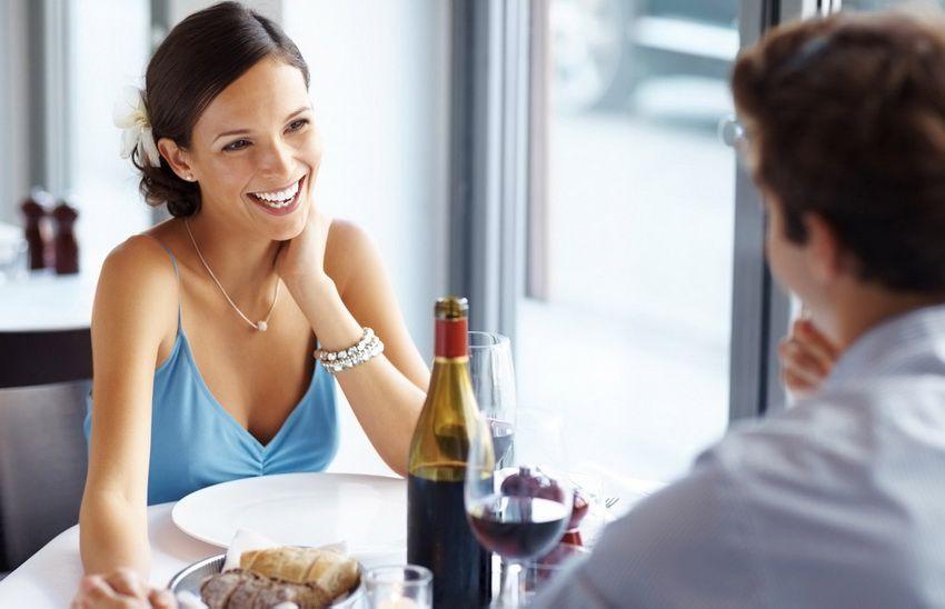 свидание в ресторане - любовный гороскоп на 2018 год для Козерогов