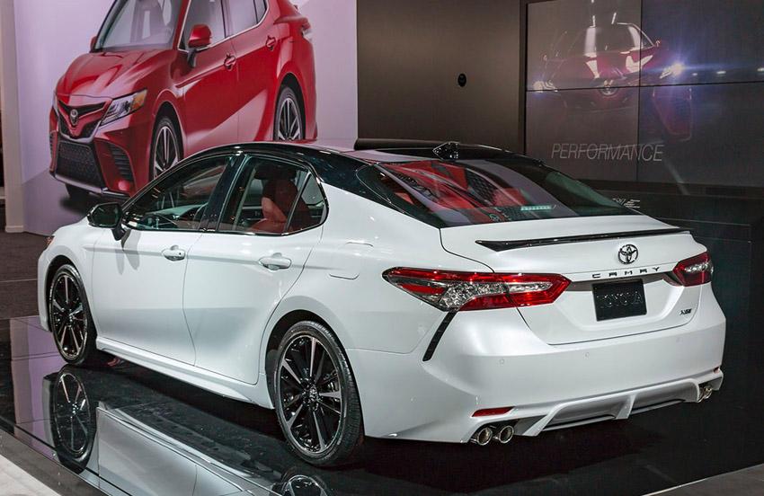 Toyota Camry 2018 года - новая Тойота Камри