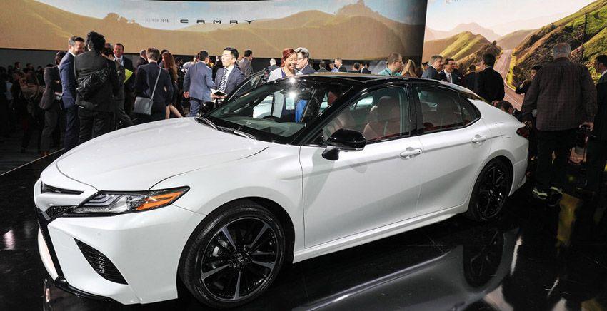 Новая Toyota Camry 2018 модельного года - фото автомобиля