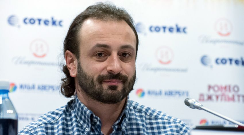 Фото фигуриста Илья Авербуха - посол в Сочи на ЧМ-2018 по футболу