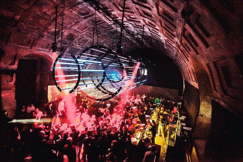 лучшие ночные клубы Санкт-Петербурга