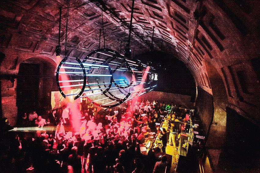 СПБ - лучшие ночные клубы Санкт-Петербурга