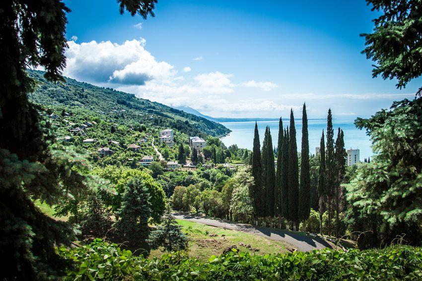 отдых в Абхазии в 2018 году у моря - цены в частном секторе без посредников, гостиницы и санатории